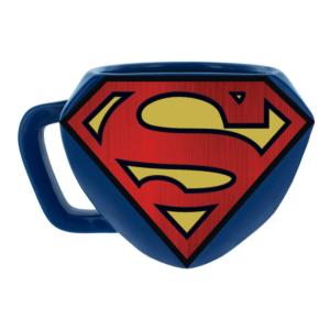 Kubek z logiem Supermana.