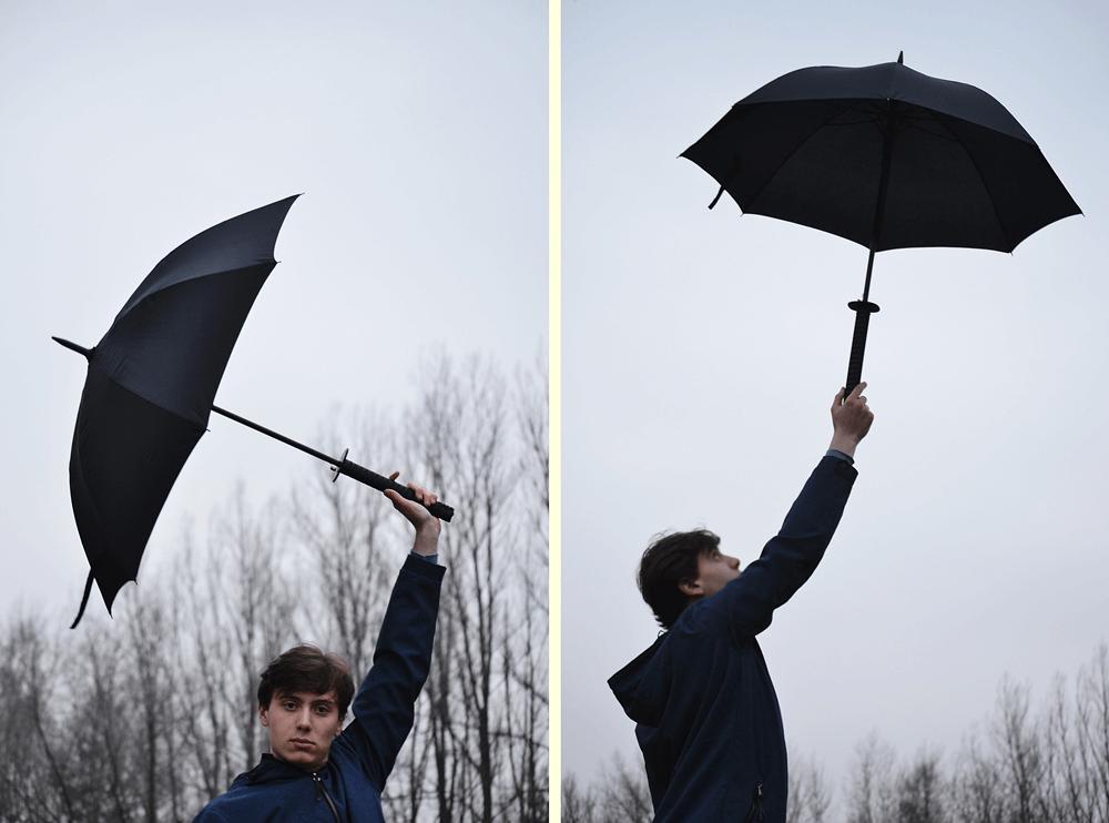 Oryginalny parasol w czarnym kolorze.